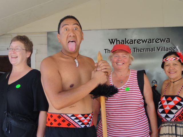 Renate bei den Maoris DSC06616
