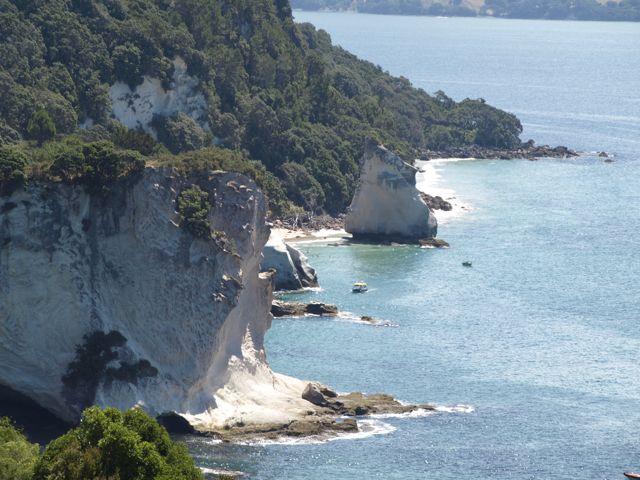 Blick zurück zum Strand von Cathedral Cove